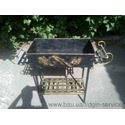 Мангал плетенка, ручной работы с жаровней и кочергой, украшенный под золото.