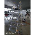 Лестница с платформой VIRASTAR EPL1500 в самолетном ангаре