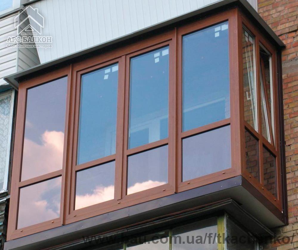 Балконы и лоджии с французским остеклением от пола до потолк.
