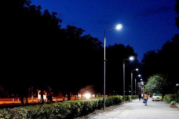 В Виннице появилась аллея с «умным» освещением