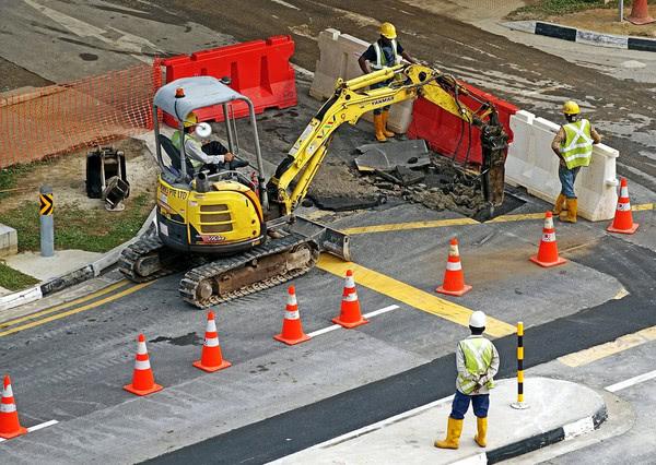 В следующем году Правительство планирует выделить на ремонт дорог 40 млрд грн