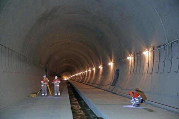 Завершены основные работы по строительству Бескидского тоннеля