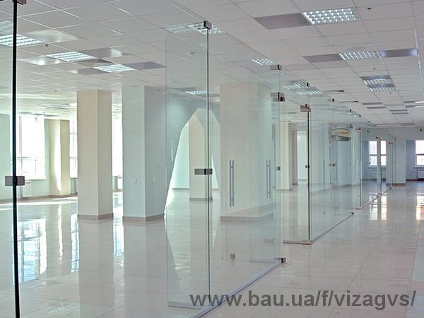 Расширен ассортимент - офисные перегородки: стеклянные, ПВХ, алюминиевые.