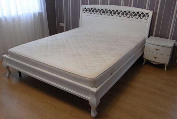 Кровать белая двуспальная