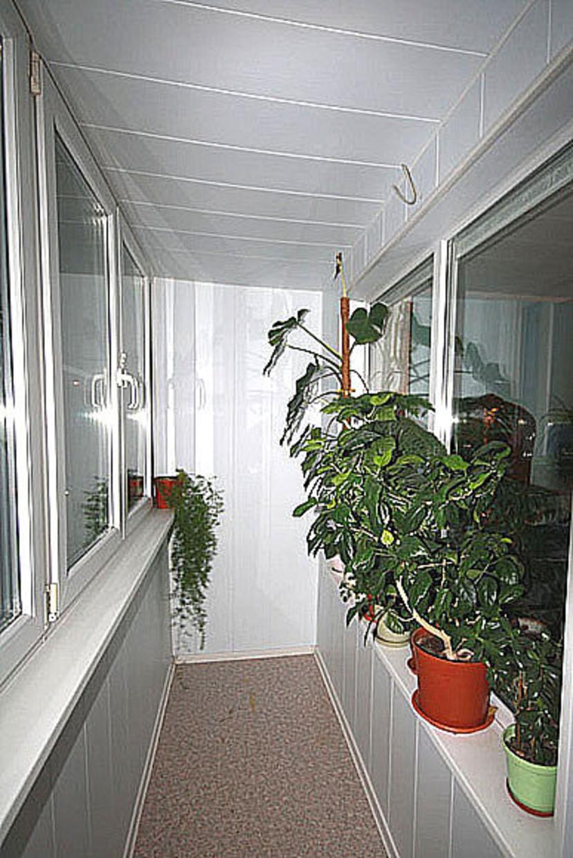 """Отделка и утепление балконов и лоджий г. гатчина - """"окна ваб."""