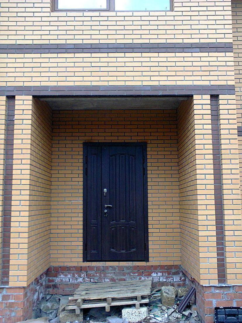 нестандартные входные двери для частных домов